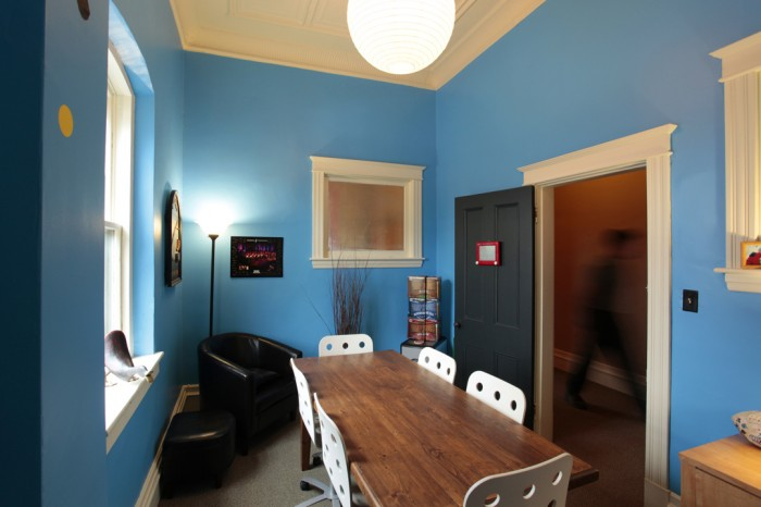 r2 700x466 Razor Creative Offices