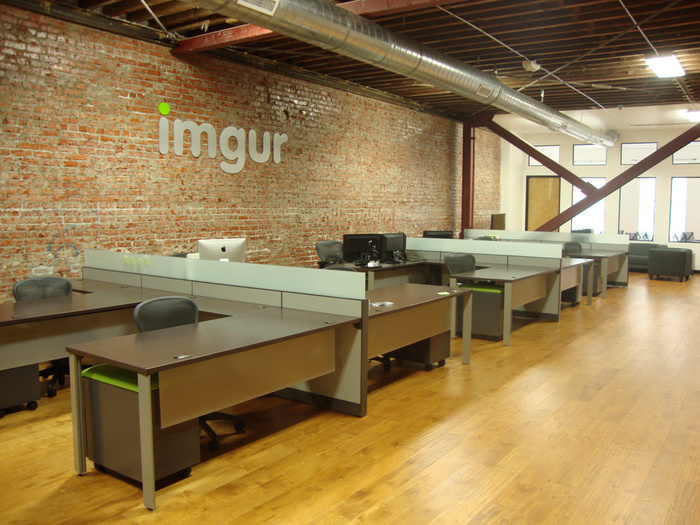 rPFHp 700x525 Check Out imgurs New Office   Now With 100% Less Apartment