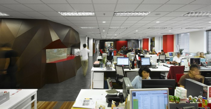MMoser OM JKT 18 01 open office1 700x362 Ogilvy & Mather Jakarta by M Moser Associates