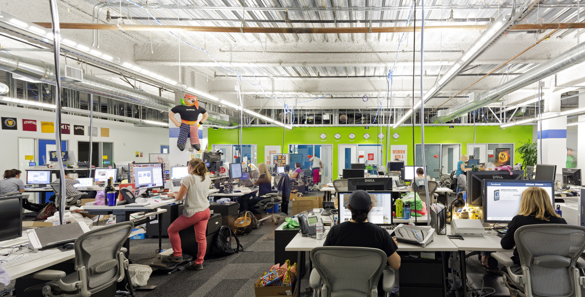 Inside Facebook S Menlo Park Headquarters Office Snapshots
