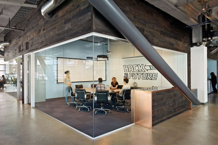 Geremia Design DropBox 02 700x466 Inside Dropboxs Urbanized San Francisco Offices