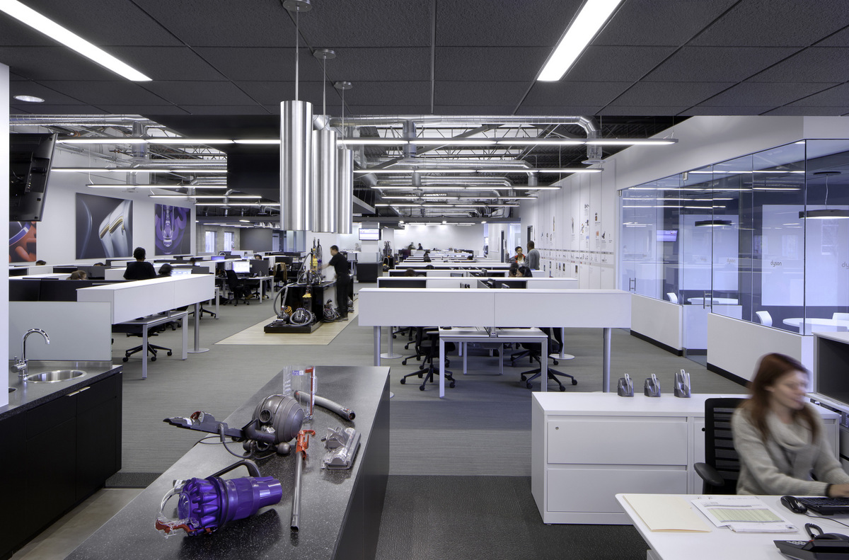 inside dyson 39 s customer support center offices office snapshots. Black Bedroom Furniture Sets. Home Design Ideas