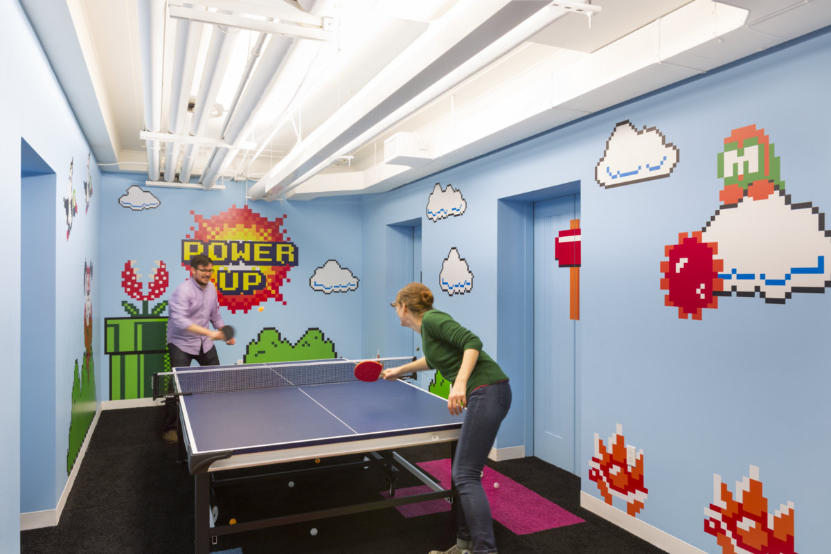 Inside shutterstock 39 s new empire state building offices for 8 bit room decor