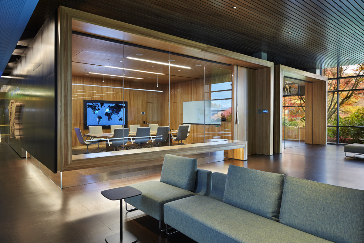 Inside Microsoft's Cybercrime Center / Olson Kundig Architects - Office Snapshots