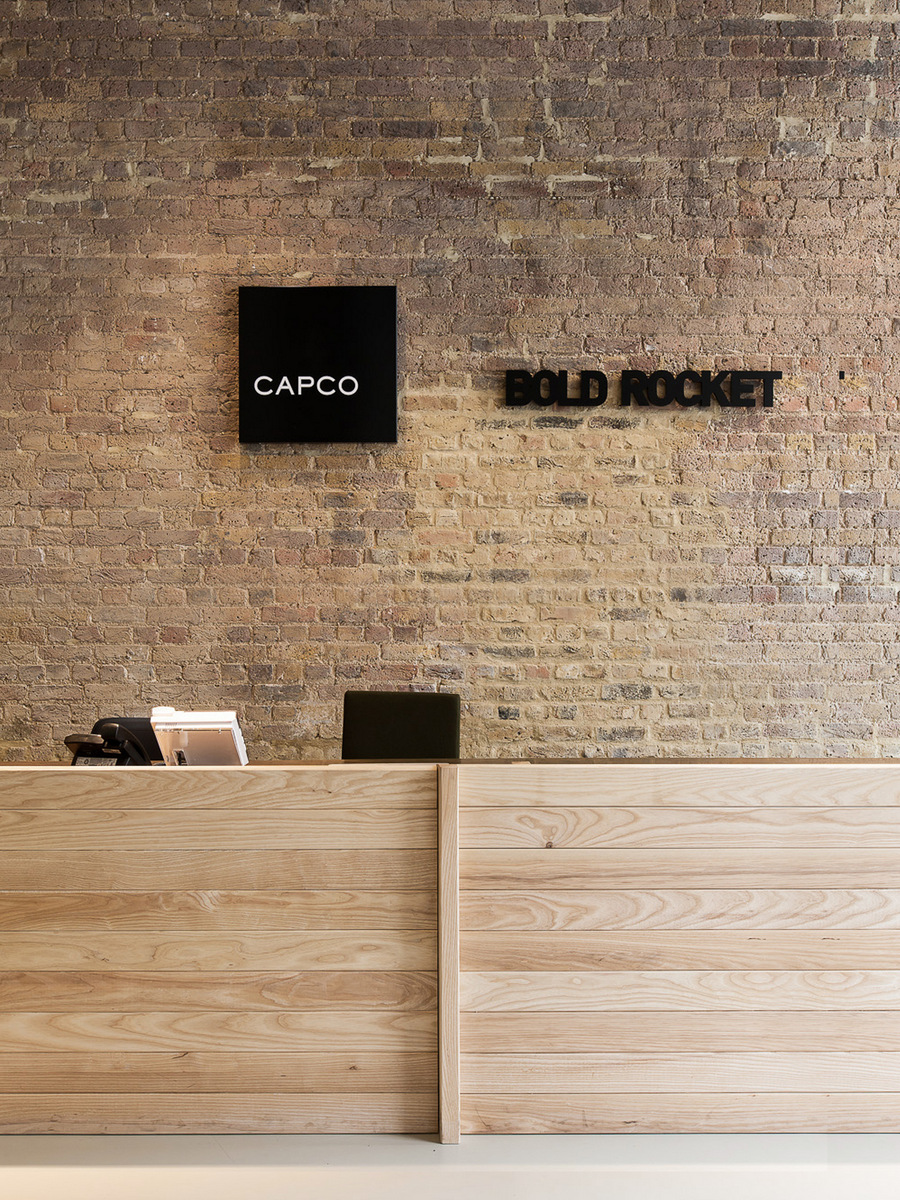 Capco and bold rocket london offices office snapshots for Bureau reception