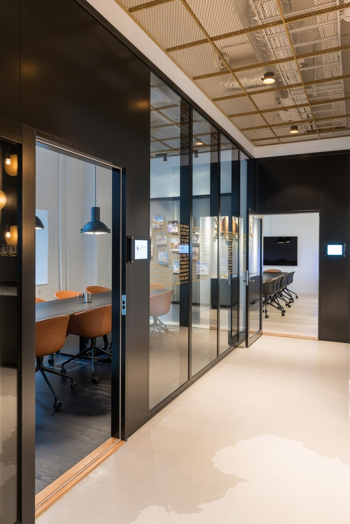 Offices have drop ceilings vs hall has exposed also the for Good office design