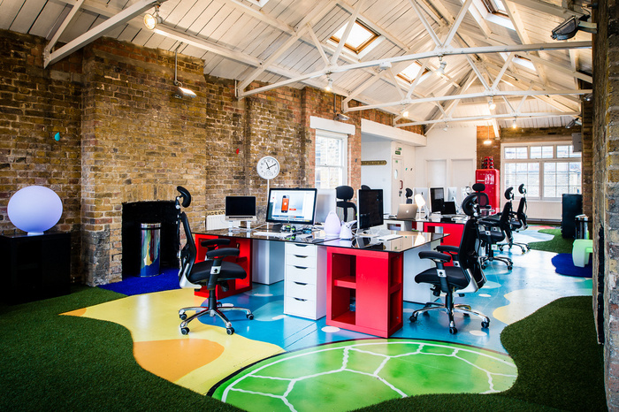 BIZZBY's Colorful and Open London Offices - 1