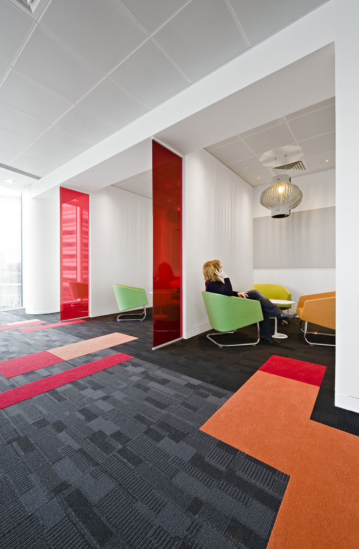 Inside the London Offices of Hitachi Consulting - 10