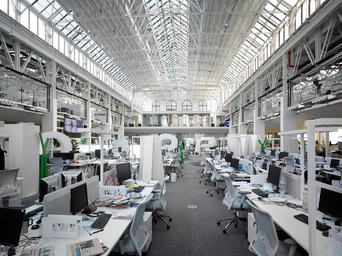 Inside Economia's Publishing Offices in Prague - 6