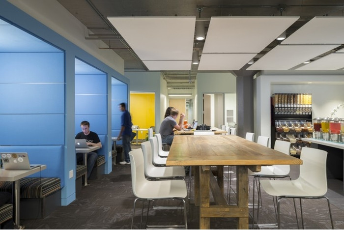 Inside Twitter's San Francisco Headquarters - 24