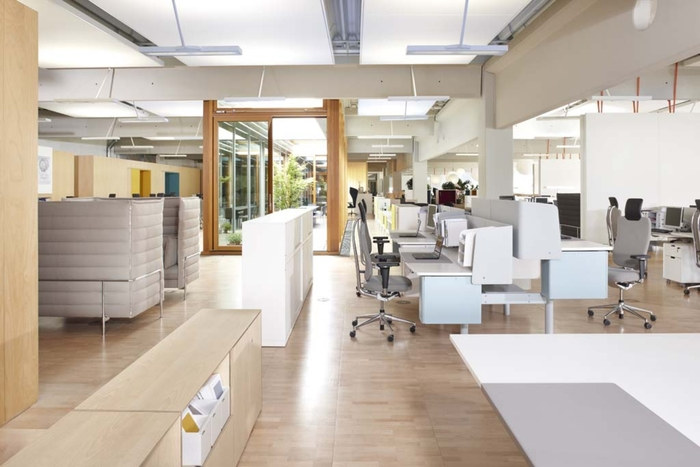 Inside Vitras German Workplace Citizen Office Office  : vitra1 700x467 from officesnapshots.com size 700 x 467 jpeg 69kB