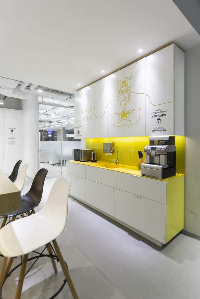Playtech kiev offices office snapshots for Successful office design