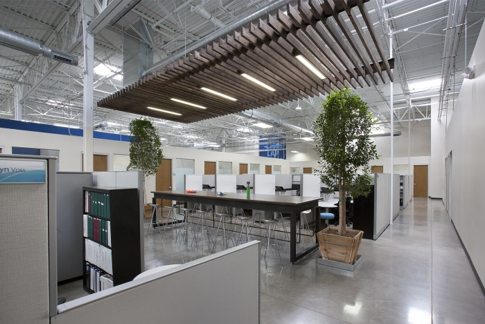 Leslie 39 S Swimming Pool Supplies Office By Anne Sneed Architectural Interiors Office Snapshots
