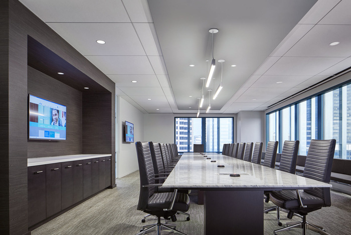 Lockton Offices - Chicago - 10