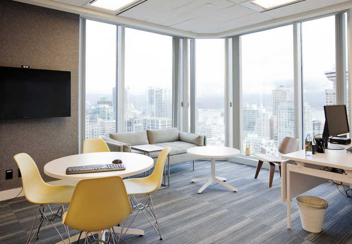 Mogo Financial Offices - Vancouver - 8
