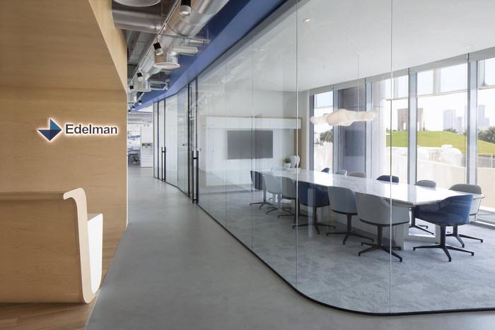 Edelman Offices - Abu Dhabi - 2