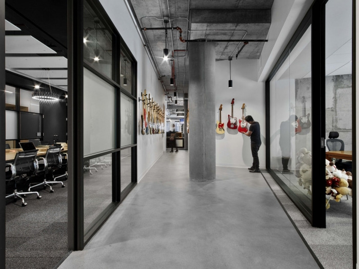 Fender Offices - Los Angeles - 19