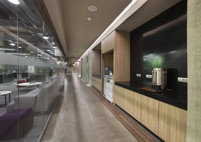 Turkiye Finans Participation Bank Offices - Istanbul - 34