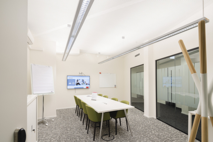 Regus Coworking Offices - Hamburg - 6