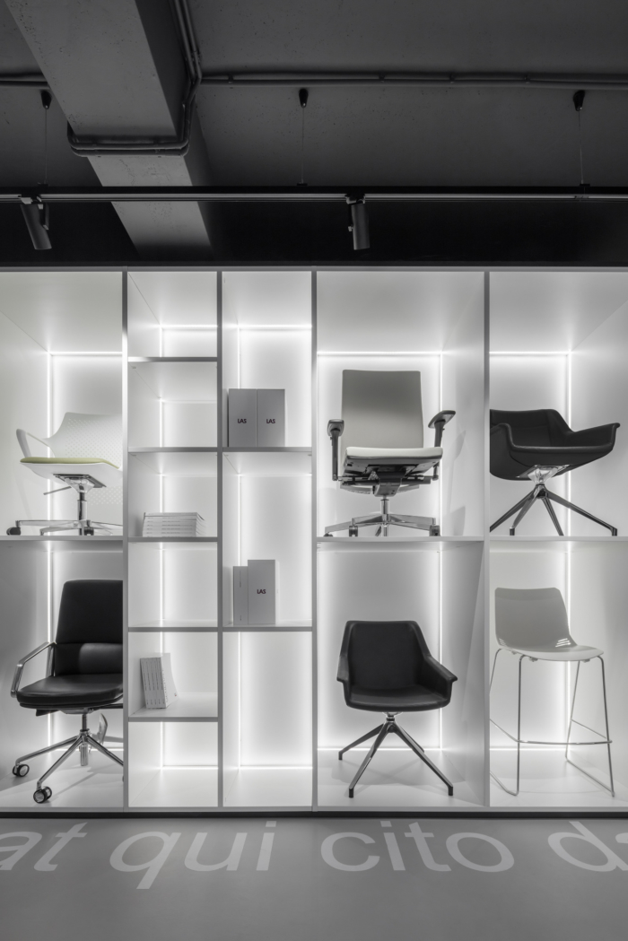 Las Mobili Showroom and Offices - Moscow - 7