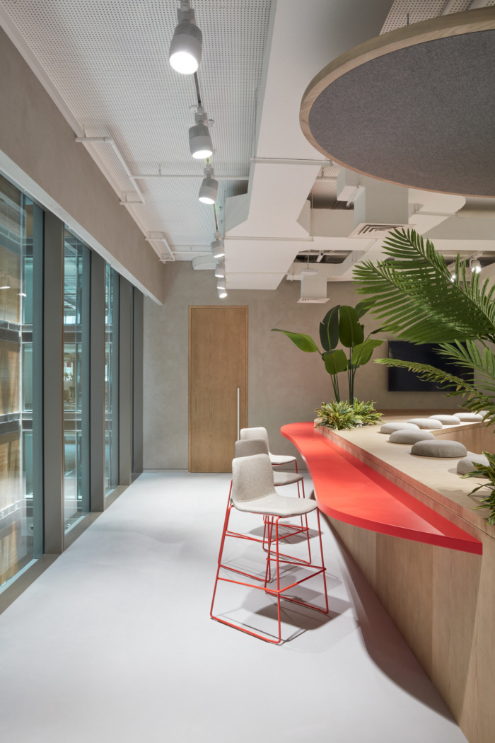 Takeda Pharmaceuticals Offices - Dubai - 7